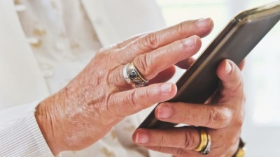 10 mẹo hữu ích giúp người lớn tuổi sử dụng iPhone dễ dàng hơn