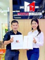 Nữ cơ trưởng Huỳnh Lý Đông Phương hào hứng đón nhận 'siêu phẩm' Macbook M1
