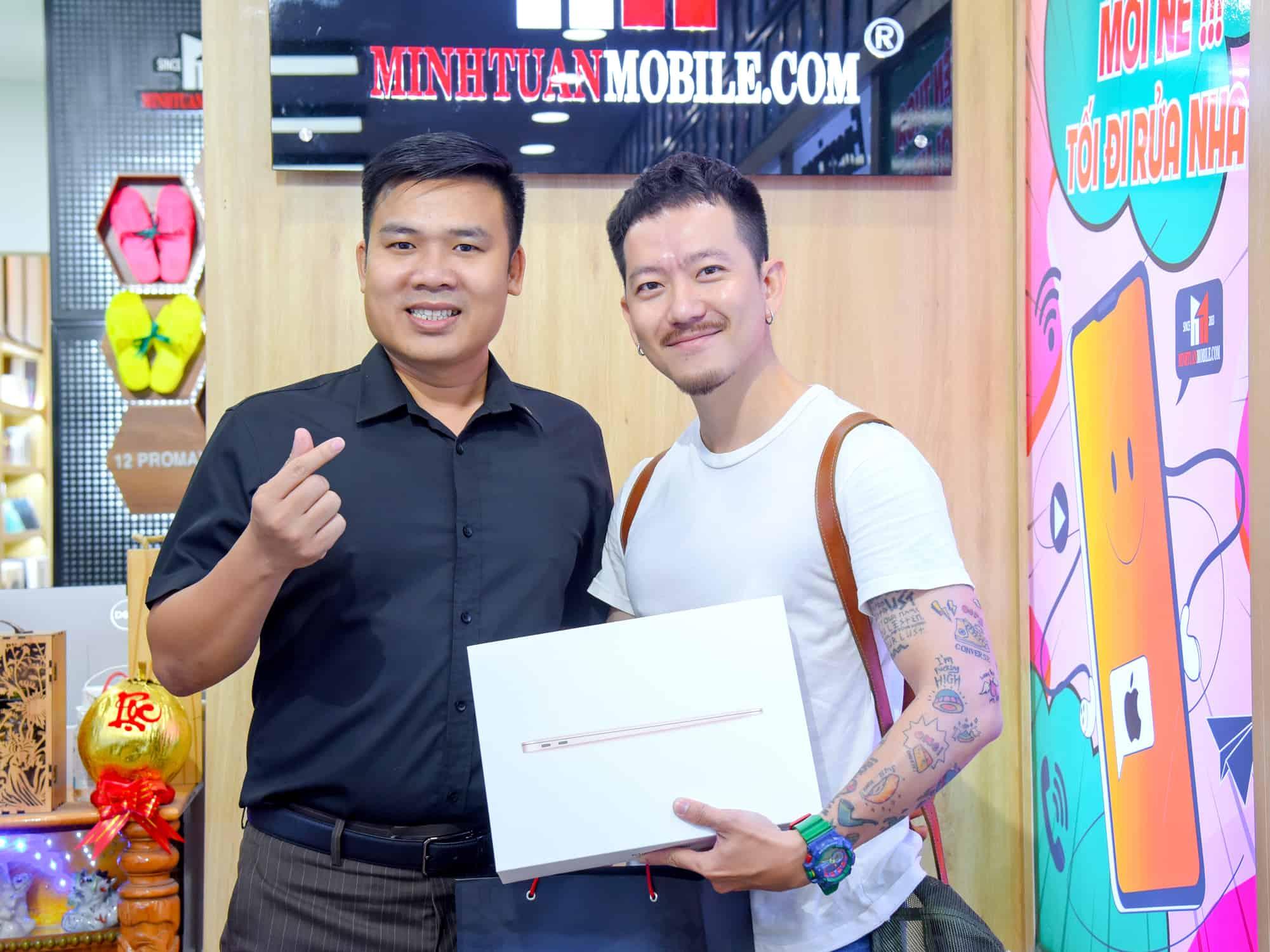 Quá ưng siêu phẩm Macbook Air M1, chàng diễn viên Minh An (Pom) nhanh chóng