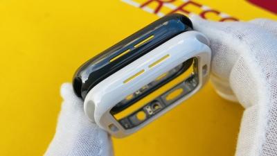 Đây là chiếc Apple Watch Series 5 phiên bản vỏ gốm đen chất lừ suýt được ra mắt