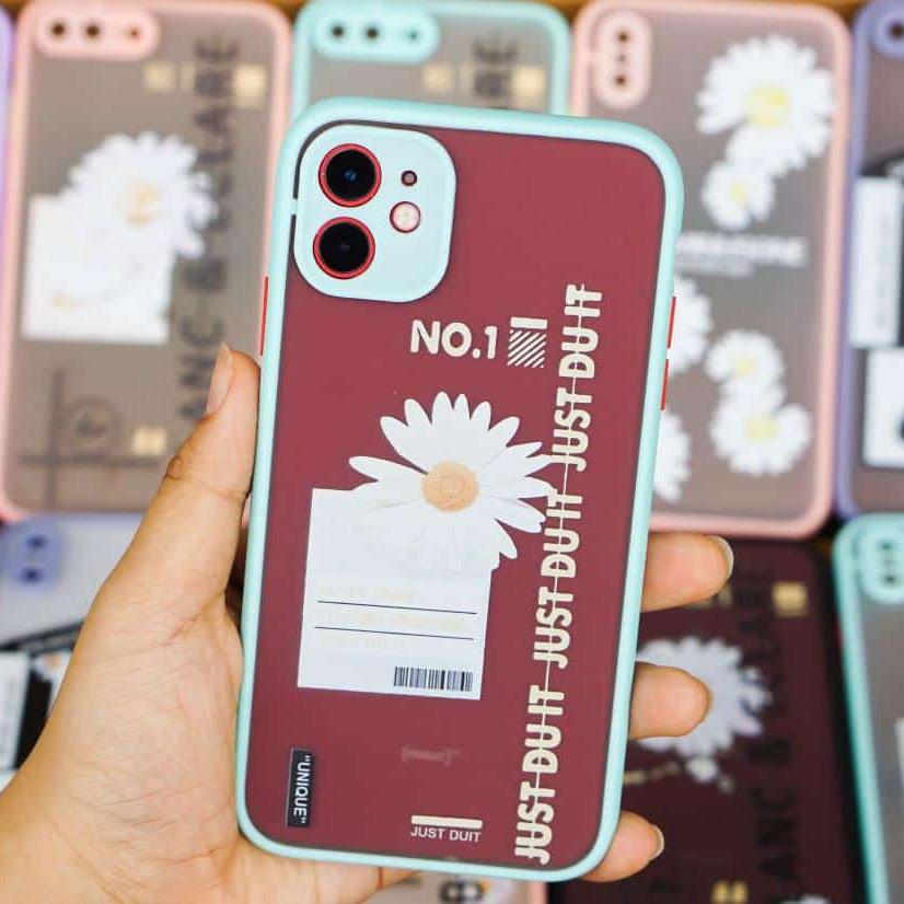 OLCUC11G1 - Ốp che cam chống bẩn hoa cúc iPhone 11