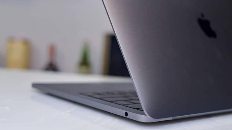 MacBook Pro 13 2019 128GB i5 Touch Bar - New nguyên seal - Bàn phím cánh bướm thế hệ thứ 3