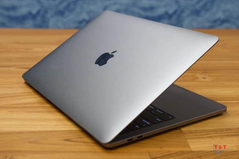 MacBook Pro 13 2019 512GB i5 - Like New 99% - Mặt sau
