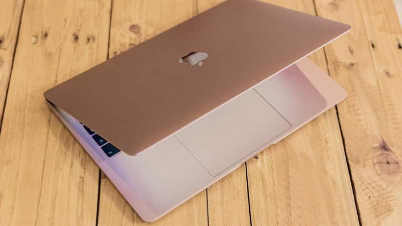 Cấu hình mạnh mẽ với CPU Intel Core i5 thế hệ thứ 8