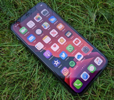 """iPhone SE 2020 đang """"được lòng"""" người dùng thích mẫu iPhone cũ"""