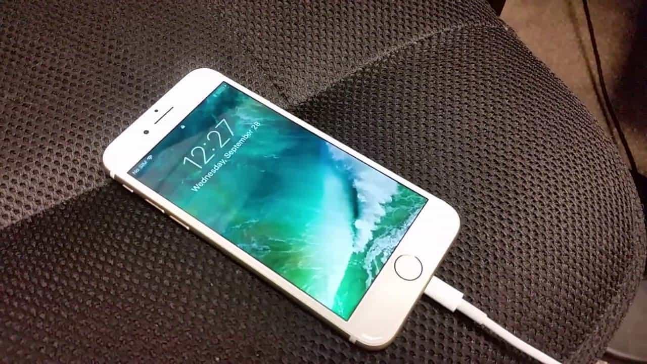 Sạc lại pin iPhone