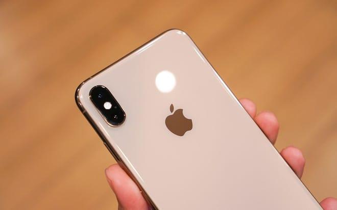 Sắp 2021 rồi, bây giờ mua iPhone XS Max có lỗi thời quá không, sử dụng liệu có còn mượt mà?